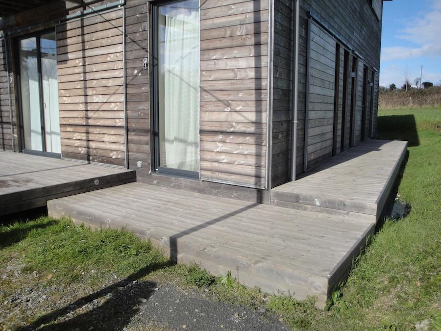 Terrasse sur poteaux à Carquefou